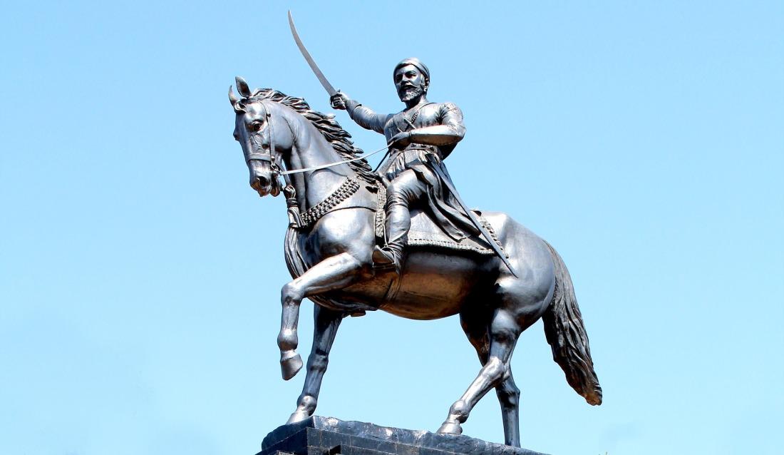 statue-2342792_1920